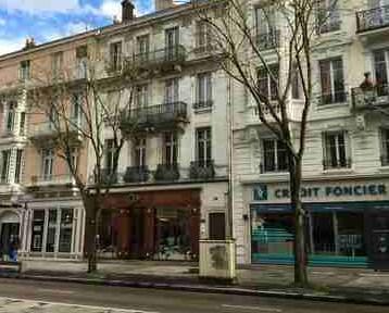 Maître Philippe Chateau : Avocats au barreau Chalon-sur-Saône - Conseil et défense de l'entreprise et du chef d'entreprise